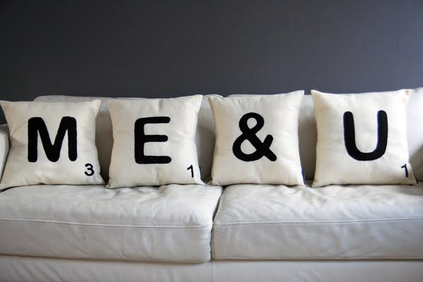 diy-valentines-gifts-sofa-cushions-scrabble-me-you-fabric-paint