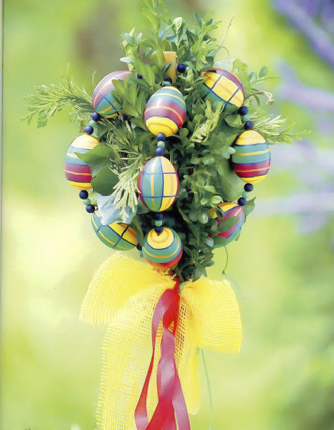 Easter-egg-craft-ideas-topiary-ball-ornament-boxwood-branches
