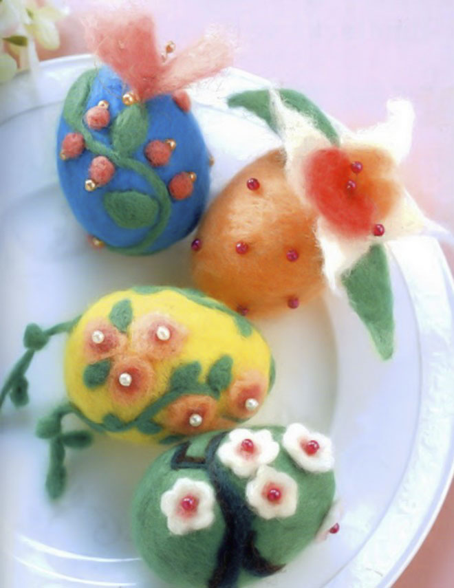 Easter-egg-decorating-wool-felt-beads-flower-motifs