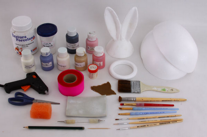 diy-easter-craft-ideas-styrofoam-egg-ears-shape-materials