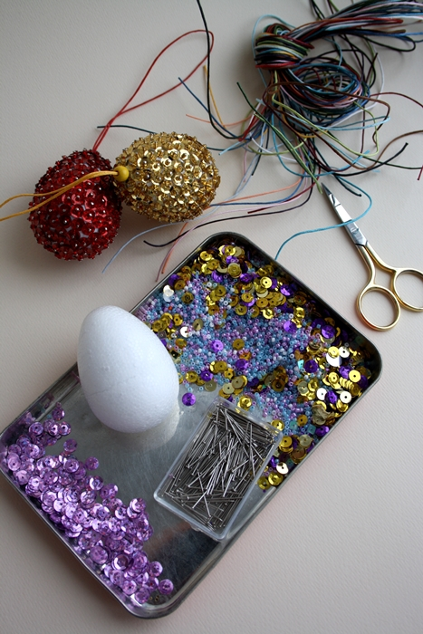 diy-easter-craft-ideas-styrofoam-egg-ornaments-purple-sequins