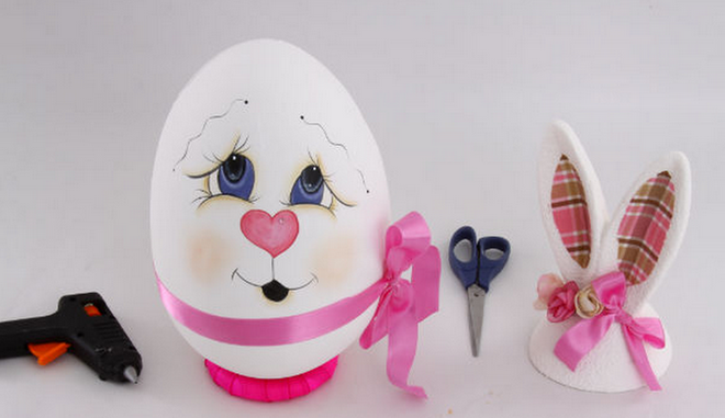 diy-easter-craft-ideas-styrofoam-egg-paint-face-heart-nose