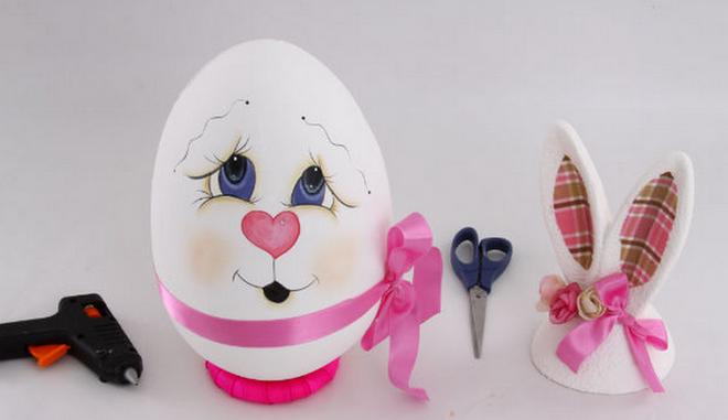 diy-easter-craft-ideas-styrofoam-egg-paint-face-heart-nose