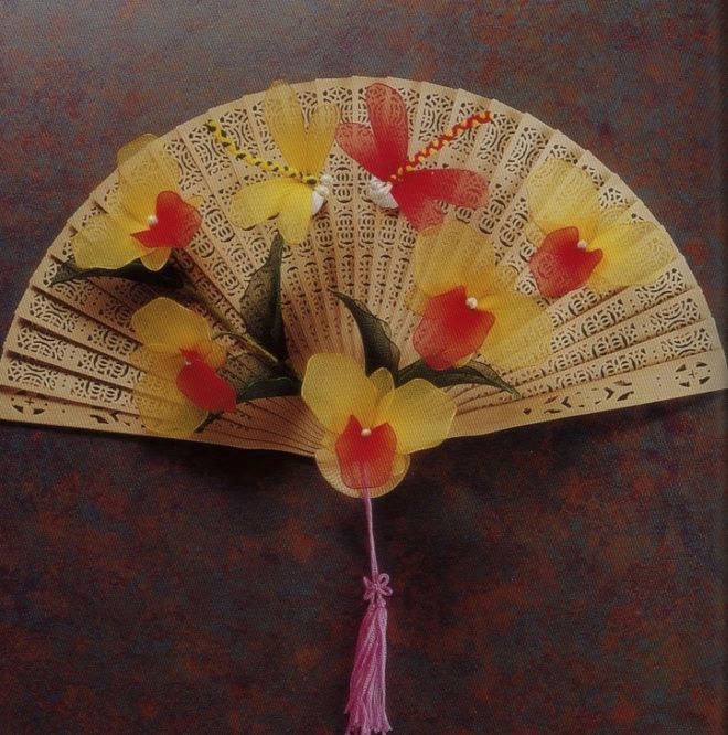 flower-craft-ideas-wall-decoration-fan-yellow-orchids-asian-style