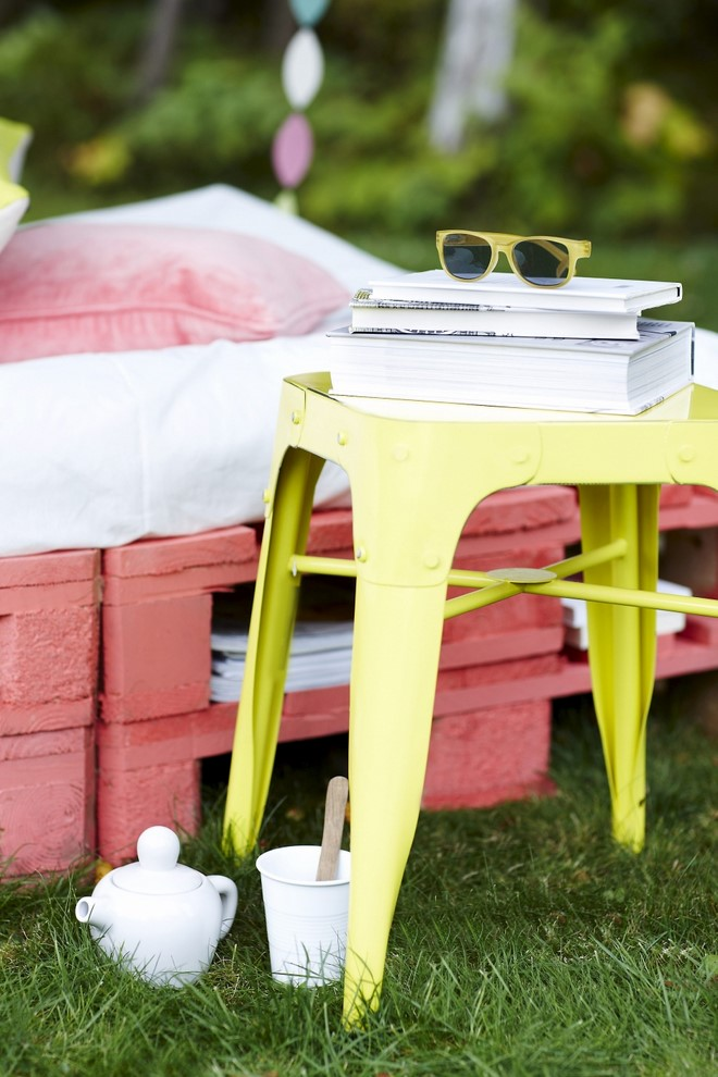 paint chair outdoor wood pallet furniture small table diy couch