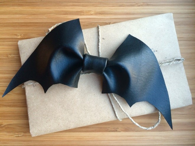 diy halloween costumes cheap handmade bat wings leather style bow tie