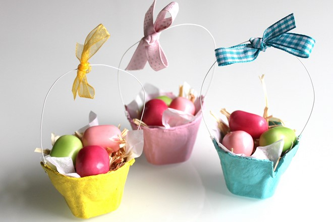 mini baskets with chocolate eggs gifts for kids