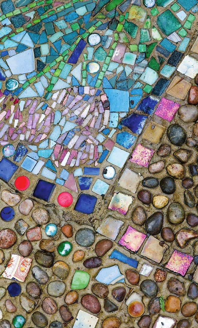 natural-pebble-mosaic-art-complex-pattern-different-kinds-of-colors-and-shades