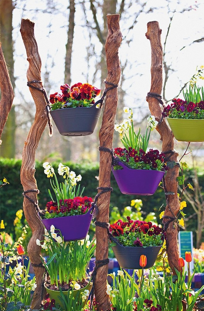 homemade-garden-decorations-diy-landscaping-vertical-flower-pots-garden-planters