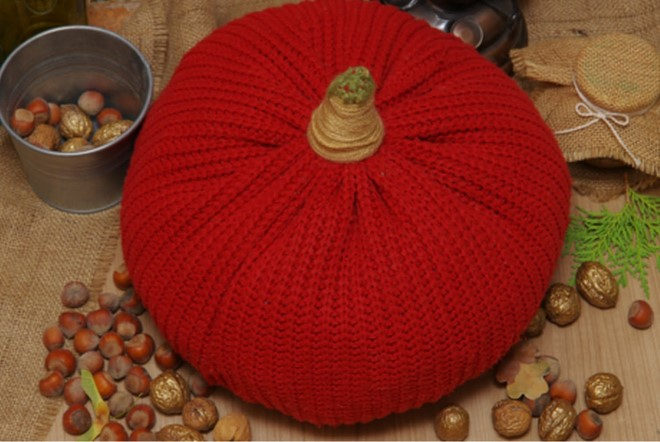 recycled-sweater-pumpkins-red-acorns-walnuts-gold-painted