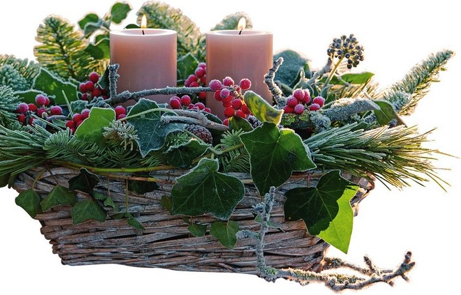 diy outdoor christmas decor ideas low basket composition of candles pine needles and ivy
