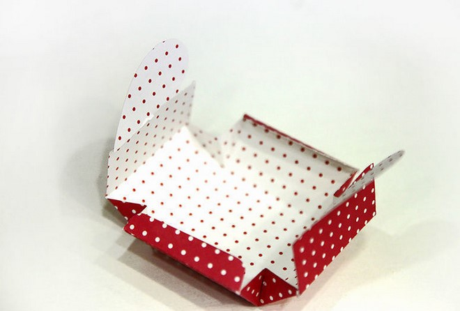 diy gift box valentines day red white