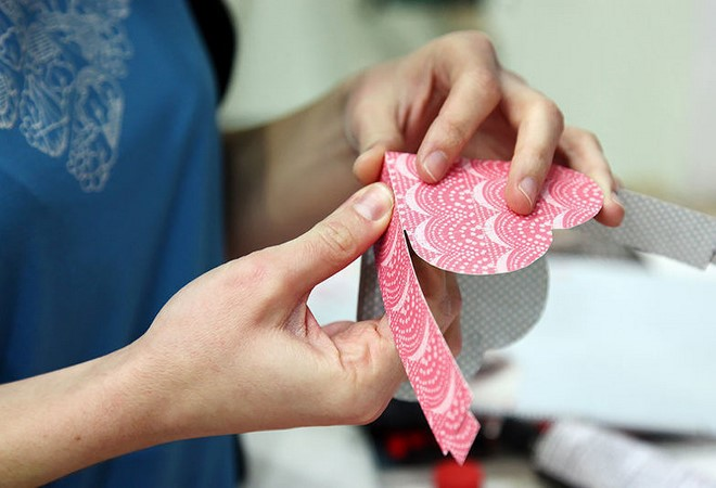 how to create heart shaped gift box