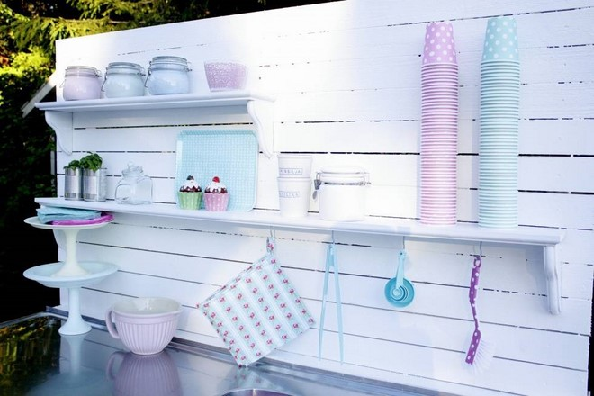 easy to build outdoor kitchen romantic white pastels