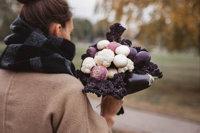 edible fall bouquet cawliflower mushrooms dark purple kale