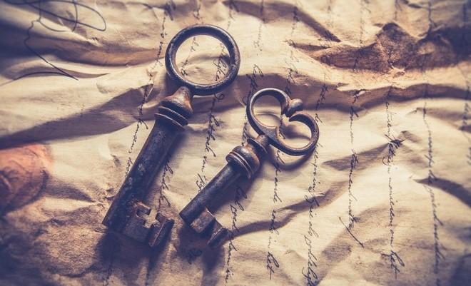 old vintage keys decorative handles upcycling