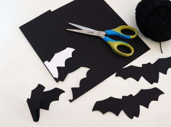 bats cut out from black paper cheap last minute halloween decorations