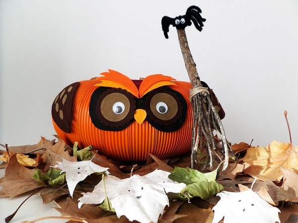 handmade pumpkin owl with spider and ghosts last minute halloween decorations diy